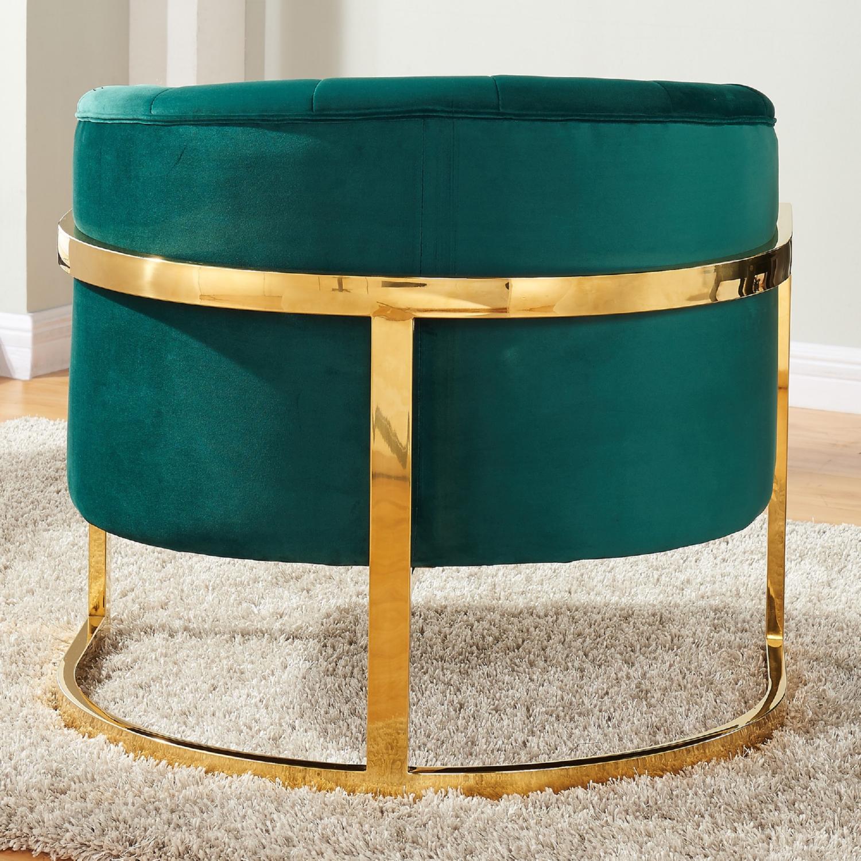 Meridian Furniture 515Green Carter Green Velvet Accent Chair on
