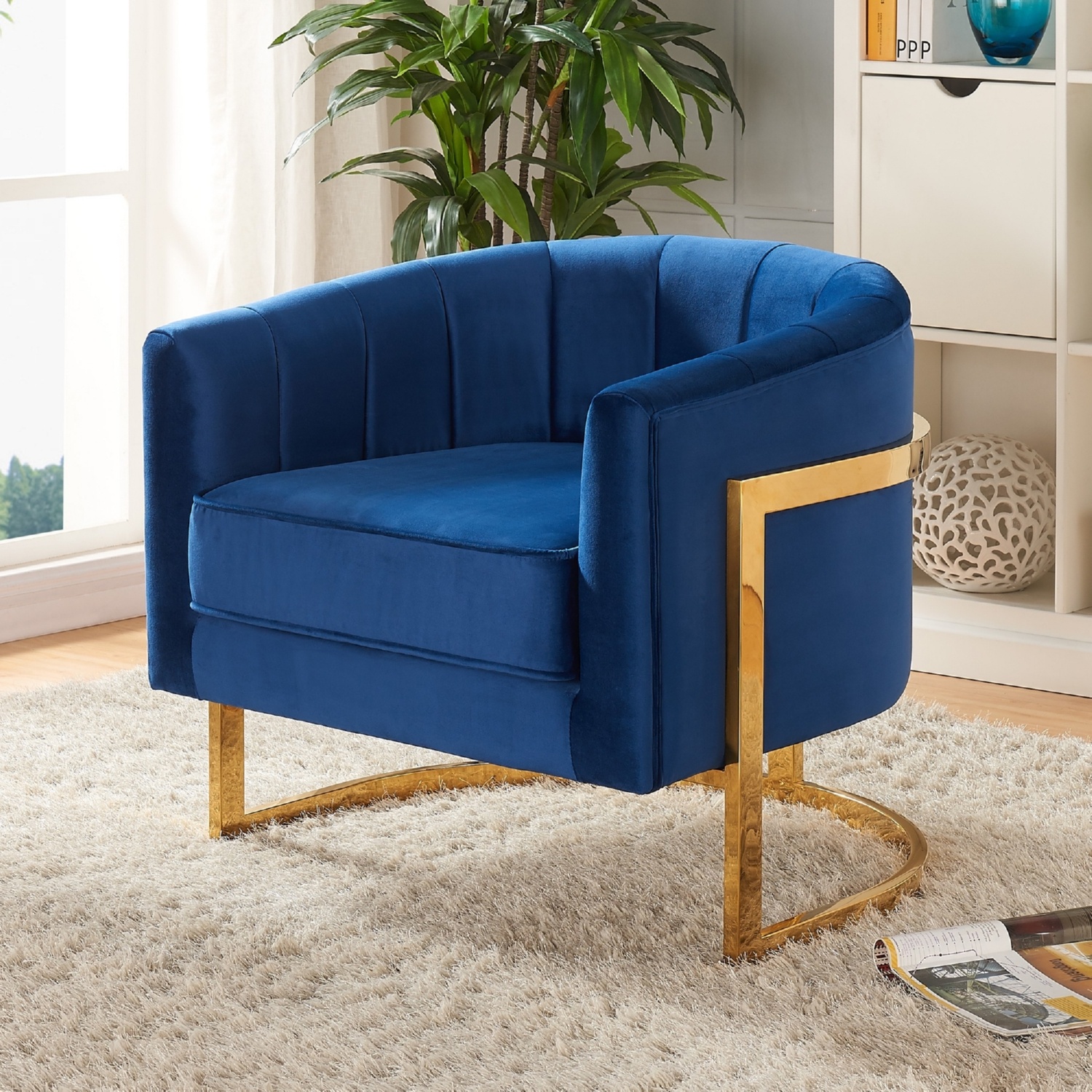 Gentil Meridian Furniture Carter Navy Velvet Accent Chair On Gold Stainless Base  W/ Round Back