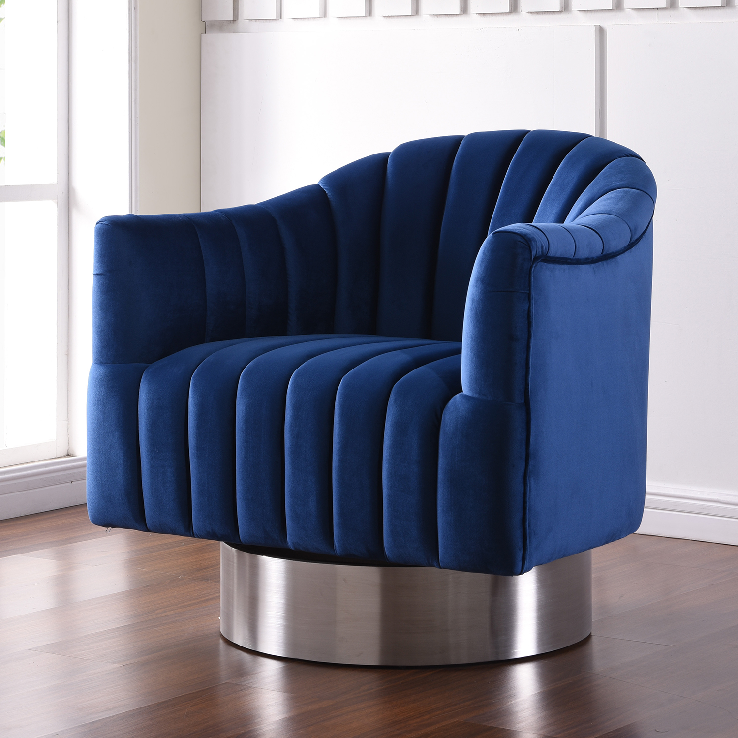 Meridian Furniture 519Navy Farrah Accent Chair in Tufted Navy