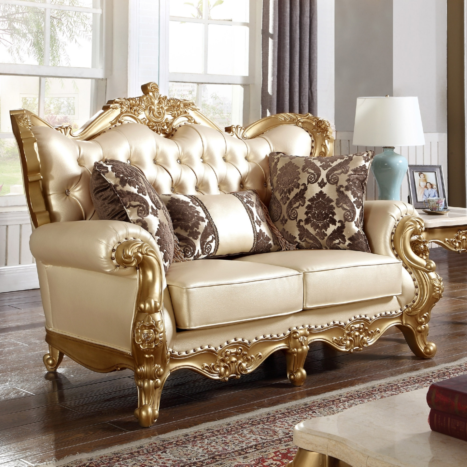 Amazing Meridian Furniture 676 L Bennito Pearl Tufted Leather Loveseat On Ornate  Gold Frame