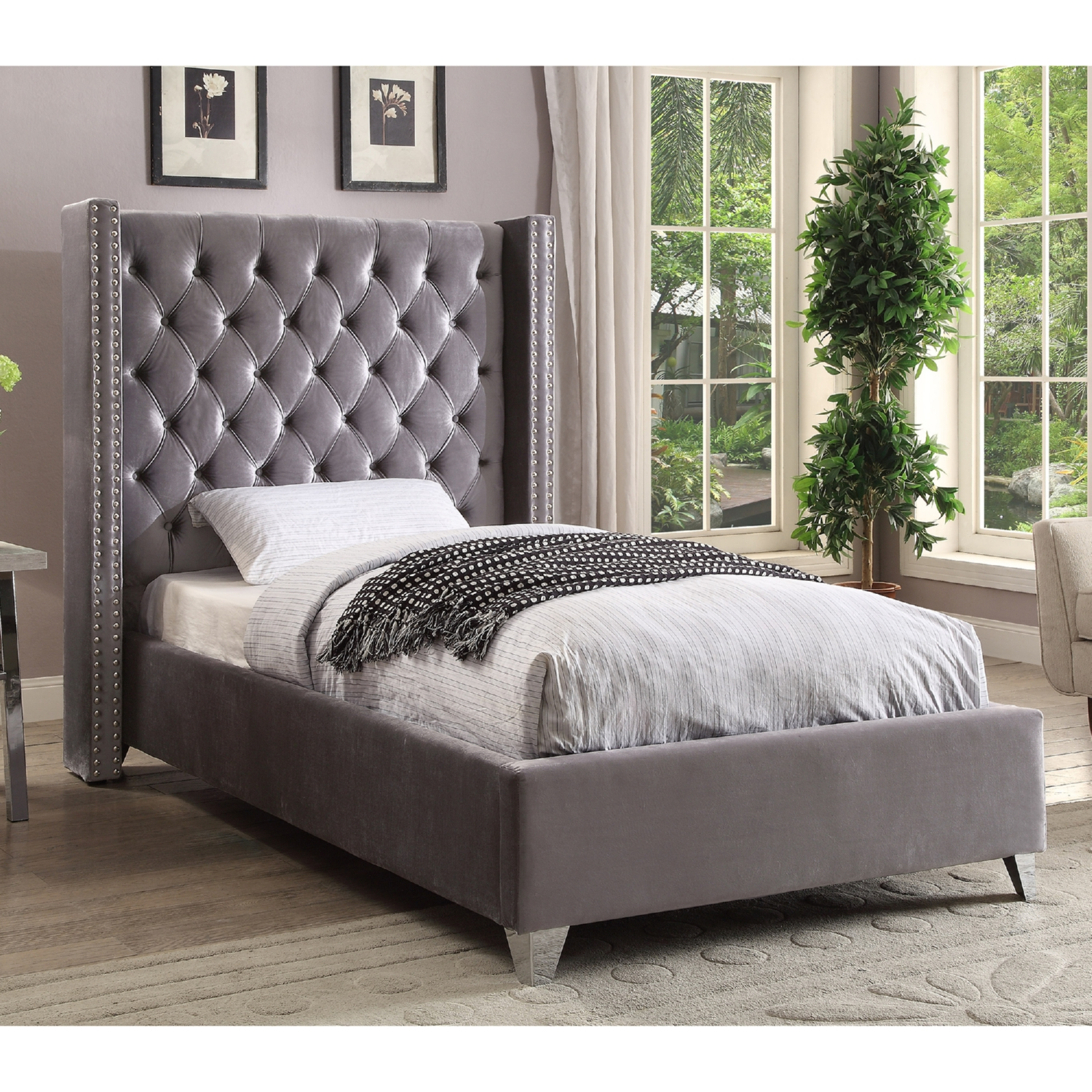 Meridian Furniture AidenGrey T Aiden Grey Tufted Velvet Twin Bed w