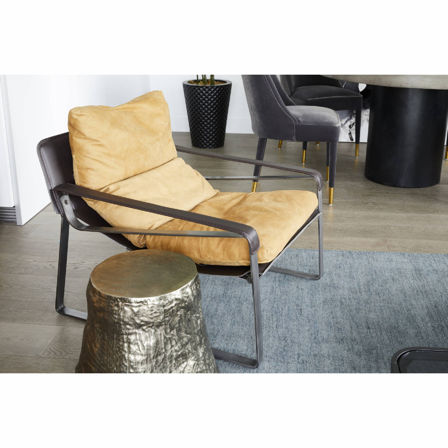 Admirable Connor Club Chair In Distressed Tan Leather By Moes Home Collection Inzonedesignstudio Interior Chair Design Inzonedesignstudiocom